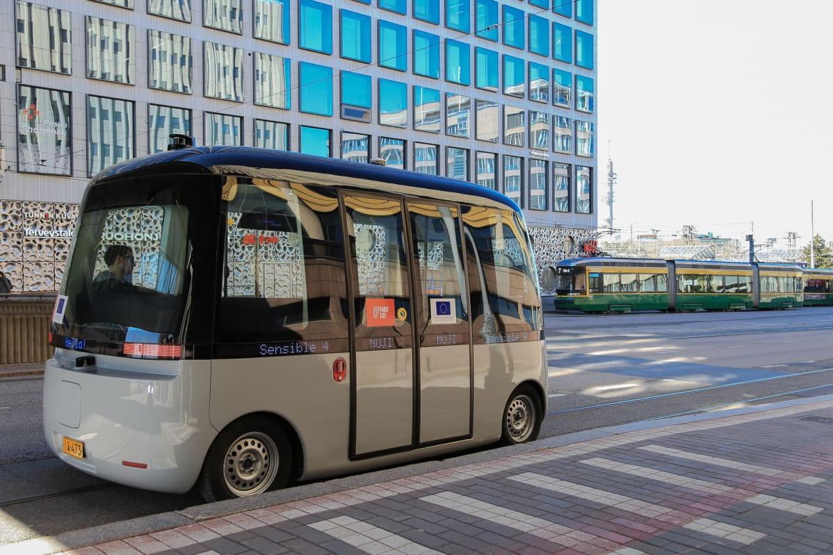 Proeven met de zelfrijdende bus gestart in Helsinki